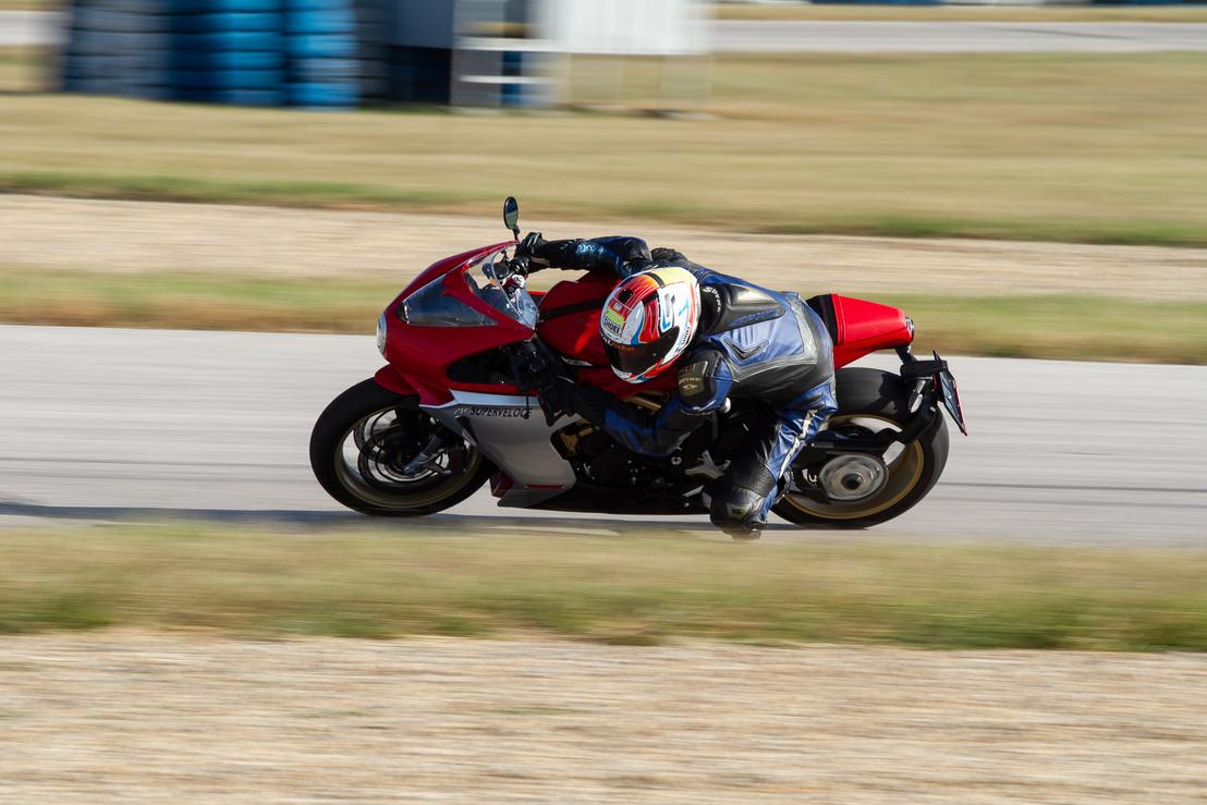 Superveloce 800 2020 Totalbike.hu teszt